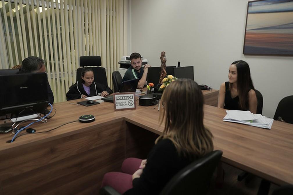 'Pequena juíza' pôde aprender como acontece uma audiência de instrução. — Foto: Divulgação/TJAM