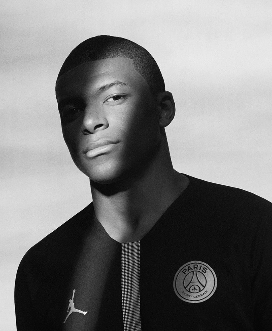 PSG e Jordan Brand apresentam coleção de uniformes 4d526a7218126