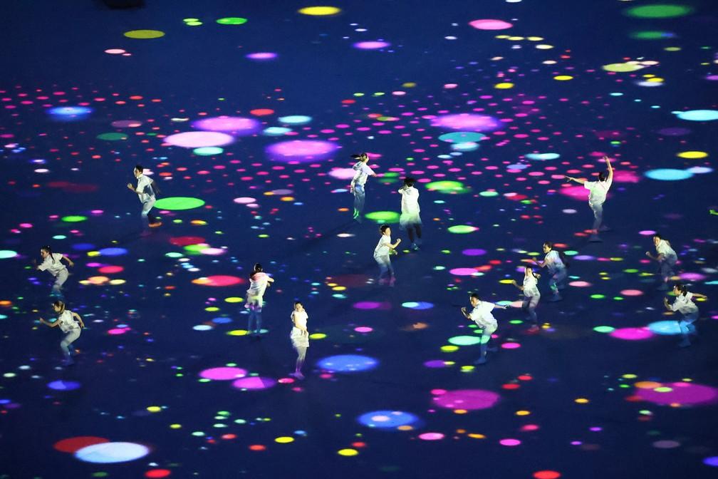 Imagem de uma coreografia na abertura dos Jogos Olímpicos, em 23 de julho de 2021 — Foto: Fabrizio Bensch/Reuters