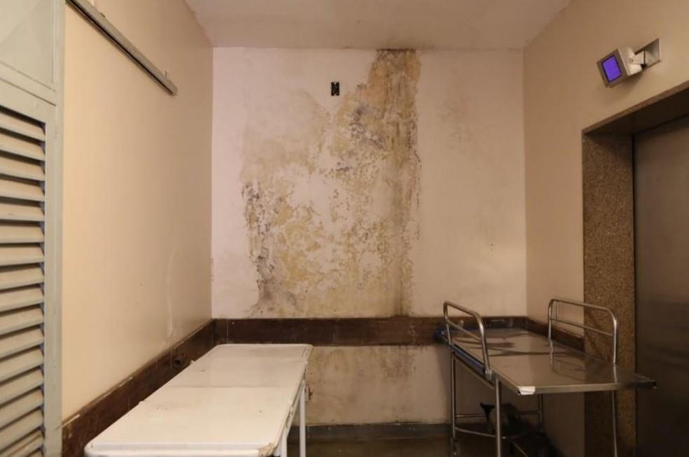 Vazamento de esgoto no Hospital Regional da Asa Norte — Foto: Reprodução
