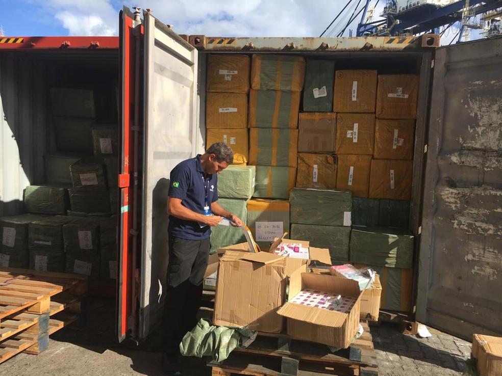 Foram apreendidos 35 toneladas de produtos falsificados pela Receita Federal — Foto: Divulgação/Receita Federal