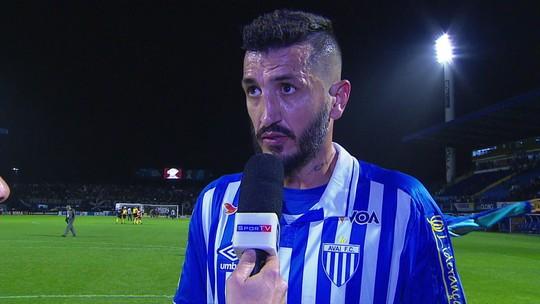 """Marquinhos Silva mostra frustração por empete: """"Jogamos de igual para igual com o Corinthians"""""""