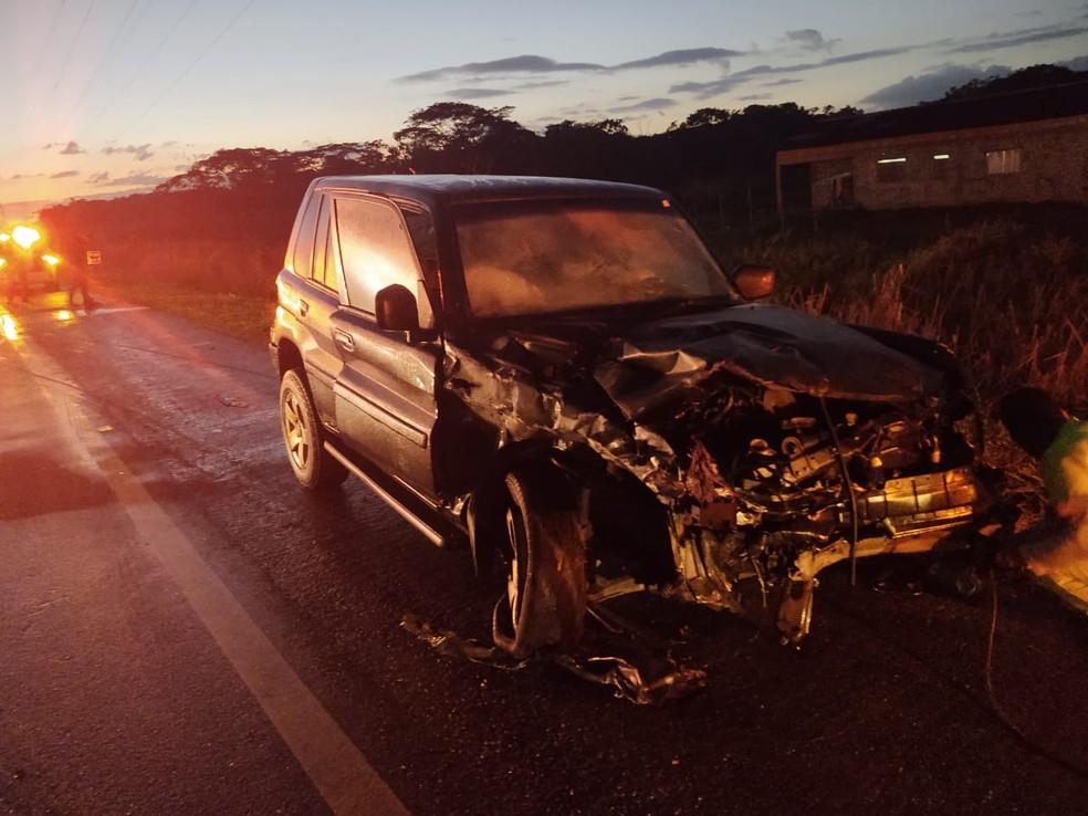 Acidente ocorreu por volta das 4h na rodovia Padre Manoel da Nóbrega e matou cinco pessoas — Foto: Divulgação/Polícia Rodoviária