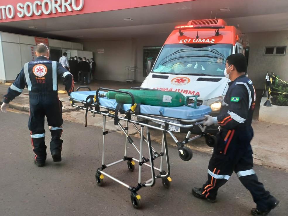 Samu destinou cilindros de oxigênio para o hospital — Foto: Prefeitura de Maringá