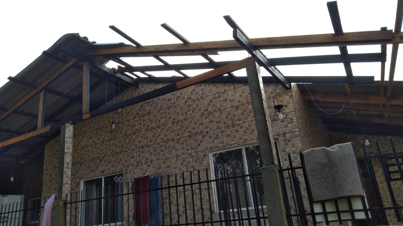 Temporal e queda de granizo causaram estragos em Santa Catarina