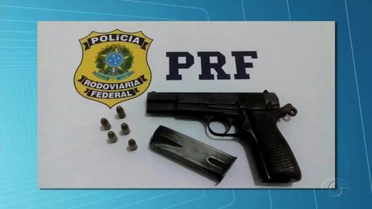 Homem morre em troca de tiros com agentes da PRF na BR-101, em São Sebastião