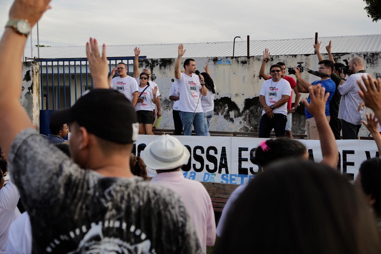 Protesto cobra reativação da escola estadual 13 de Setembro, em Boa Vista - Notícias - Plantão Diário
