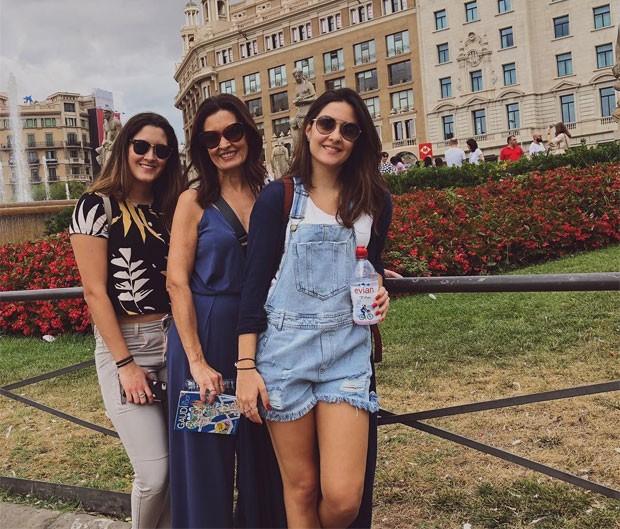 Fátima com as filhas, Beatriz e Laura (Foto: Reprodução)