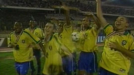 Ronaldinho e Adriano são campeões mundiais Sub-17. Saiba quem disputou a competição