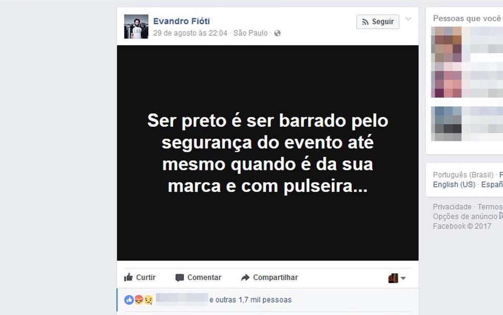 Estilista contou ter sofrido preconceito racial por parte da segurança São Paulo Fashion Week (SPFW) do logo após ter o desfile da sua marca aplaudido (Foto: Reprodução/Facebook)