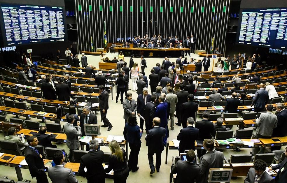 Deputados e senadores reunidos no Congresso Nacional (Foto: Marcos Oliveira / Agência Senado)