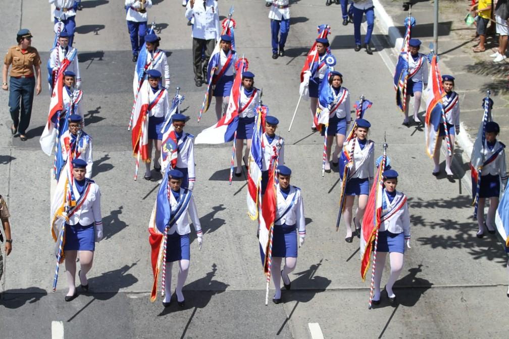 Desfile de 7 de Setembro, na Zona Sul do Recife (Foto: Marlon Costa/Pernambuco Press)