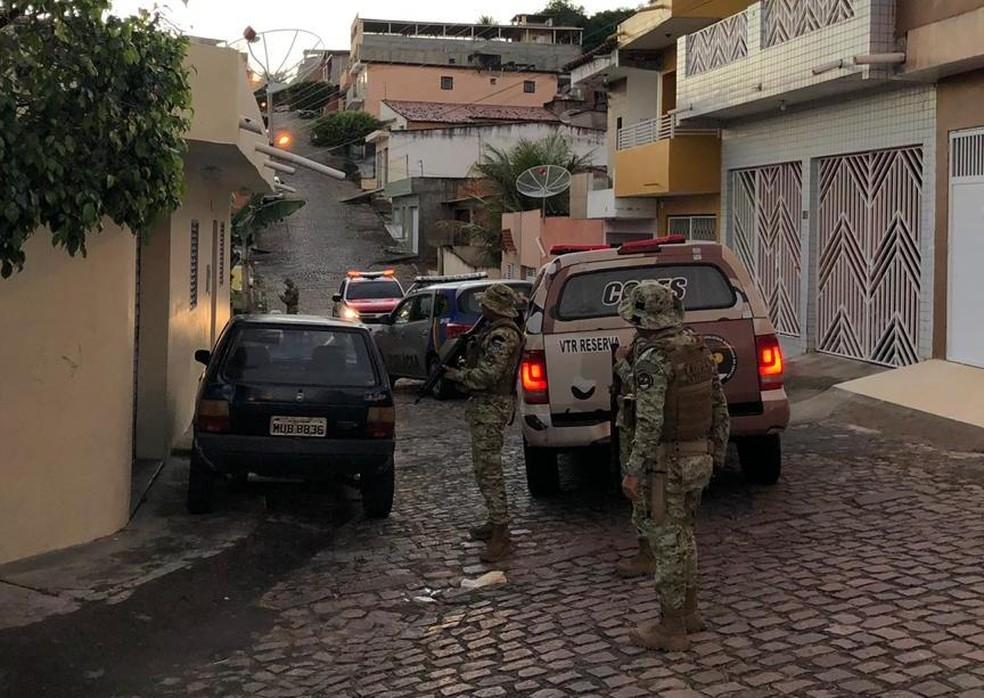 Operação da Polícia Civil no interior de Alagoas prende suspeito de cometer homicídio no Sertão de Pernambuco — Foto: Ascom/Polícia Civil