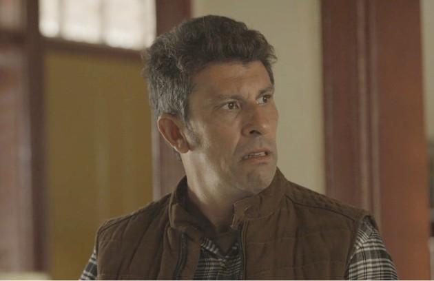 Na segunda-feira (1º), Machado (Milhem Cortaz) contará para Gabriel (Bruno Gagliasso) que a explosão no reservatório de água foi criminosa (Foto: TV Globo)