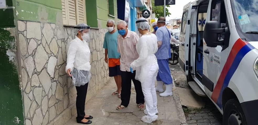 Idosos de Ipiaú vão para Fundação Hospitalar — Foto: Prefeitura de Ipiaú / Divulgação