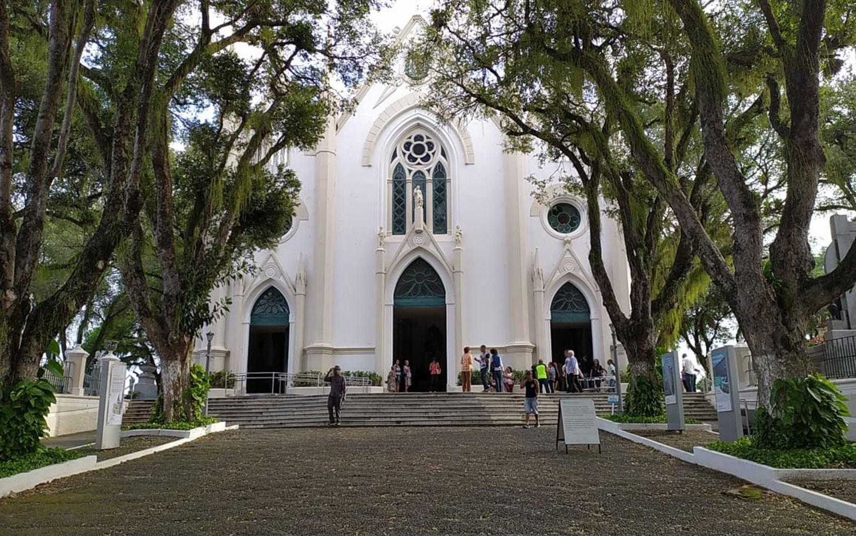 Cemitérios de Salvador têm programações online e presencial no Dia de Finados; confira