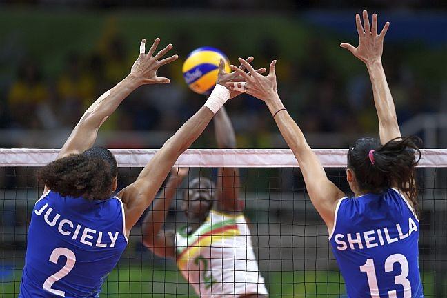 Partida de Voleibol feminino da Olimpíada Rio 2016 entre Brasil (e Camarões, Maracanãzinho, RJ, Brasil (Foto: Celso Pupo / Fotoarena / Agência O Globo)