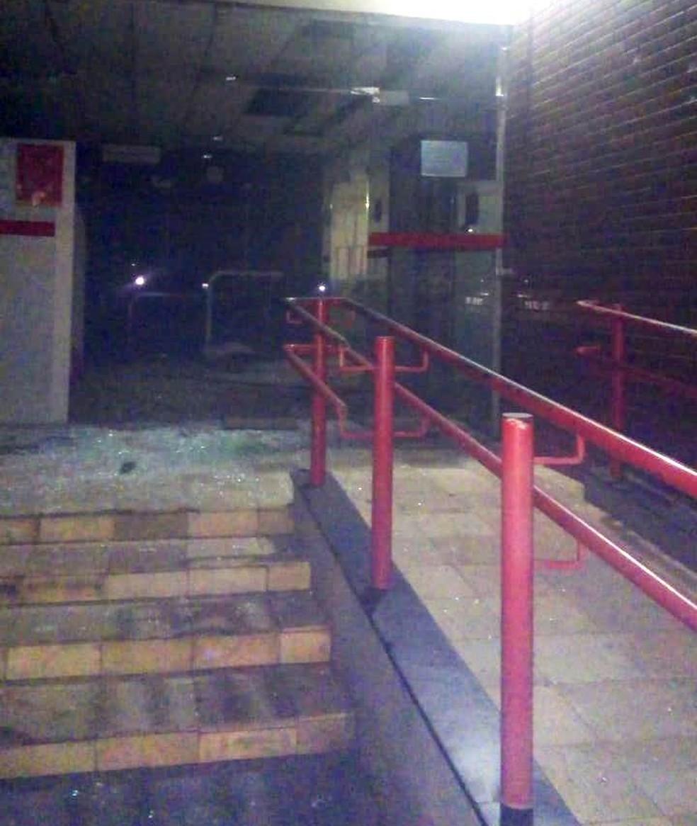 Bandidos explodiram agências bancárias em Oeiras. (Foto: Divulgação/ Polícia Militar)