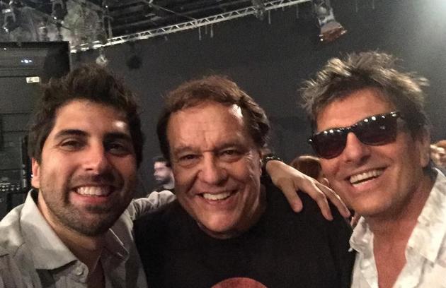 Gabriel Louchard com Dennis Carvalho e Evandro Mesquita. 'Novela acabando, encontros começando', escreveu Louchard (Foto: Reprodução Instagram)