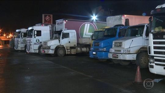 Governo volta a liberar venda de  álcool em descanso de caminhões