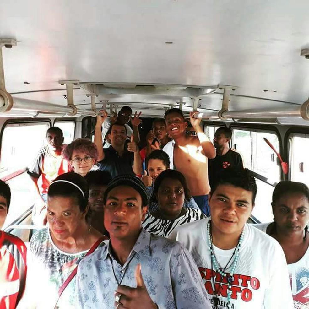 Kauet conseguiu até ônibus para levar os moradores de rua ao cinema em Araraquara (Foto: Arquivo Pessoal/Ednan Dalle Piage )