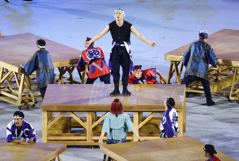Artistas se apresentam durante a cerimônia de abertura dos Jogos Olímpicos de Tóquio, no Japão — Foto: Marko Djurica/Reuters