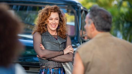 Claudia Raia e Humberto Martins prometem diversão entre personagens em 'Verão 90'