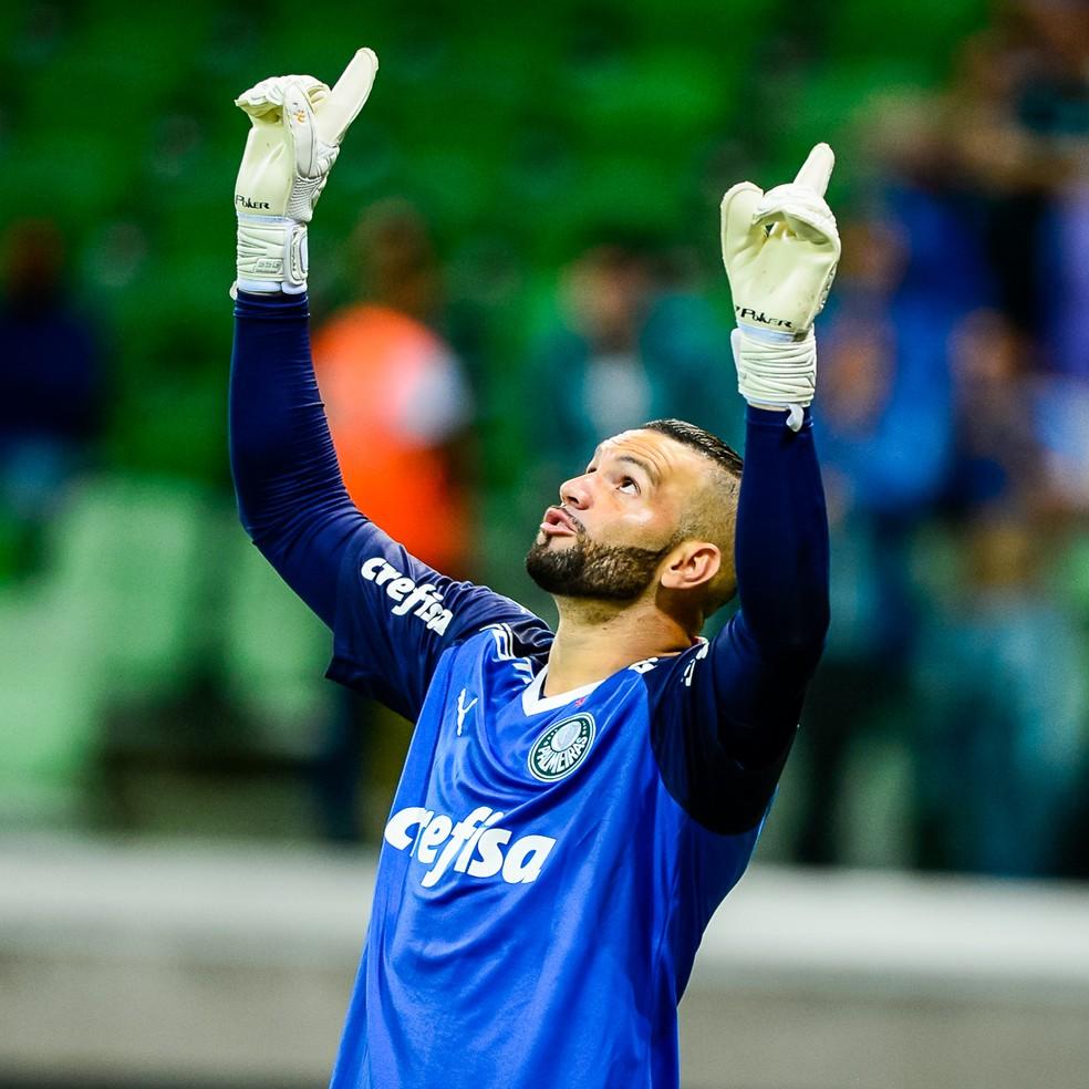 Titular da meta do Palmeiras, Weverton é um dos responsáveis por ajudar a equipe a sofrer poucos gols — Foto: Renato Pizutto/BP Filmes