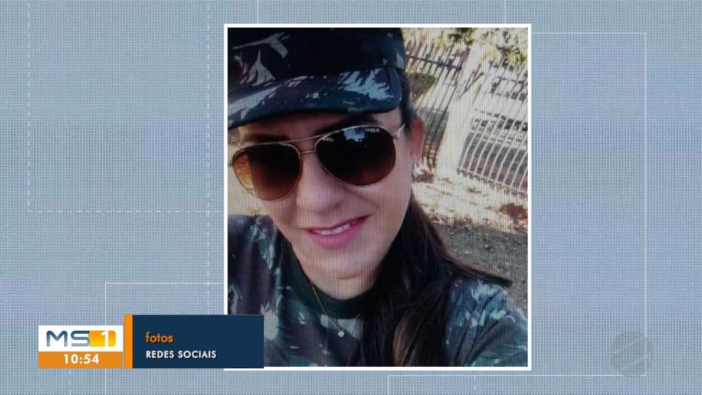 Mulher usava vestimenta oficial do Exército para dar mais credibilidade aos golpes em MS — Foto: TV Morena/Divulgação