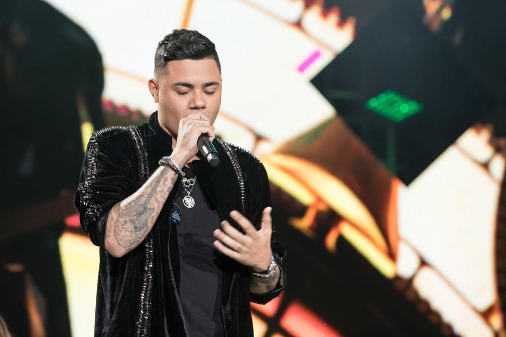 Felipe Araújo toca modão apaixonado no Palco Arena da Festa do Peão de Barretos 2019 — Foto: Ricardo Nasi / G1