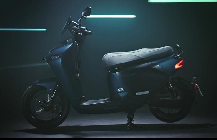 Yamaha revela scooter elétrico EC-05 que troca de baterias em estações Yamahaec-05-1