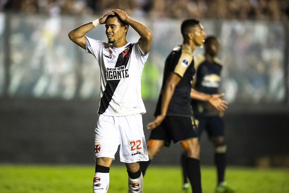 Yago Pikachu lamenta chance perdida em eliminação do Vasco (Foto: Jorge R Jorge/BP Filmes)