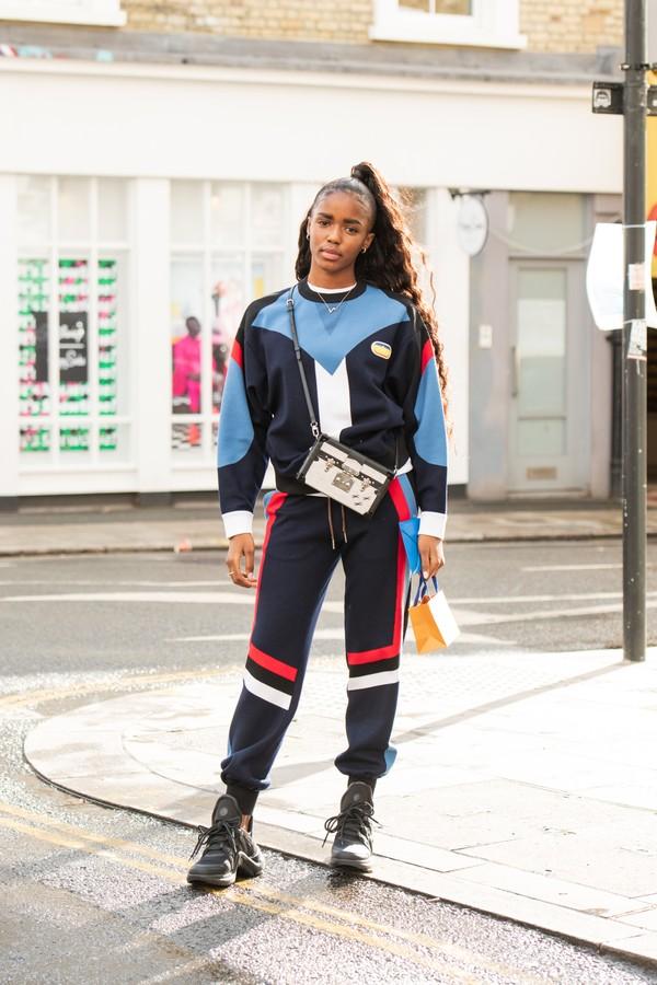 Look com calça jogger (Foto: Getty Images)