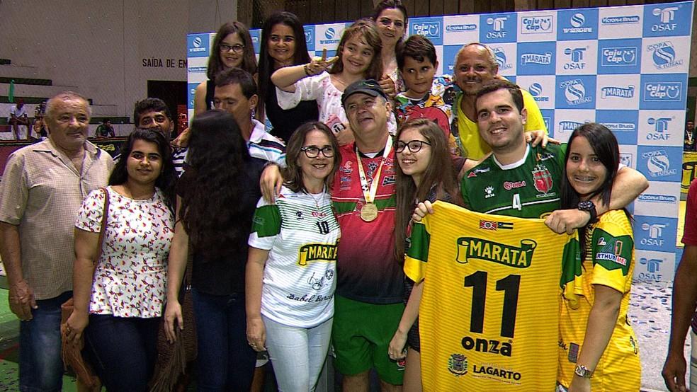 Galego reúne família na comemoração do título de Lagarto (Foto: Reprodução/ TV Sergipe)
