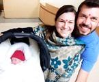 Adriana Garambone com o marido, Arthur, e o filho, Gael | Arquivo pessoal