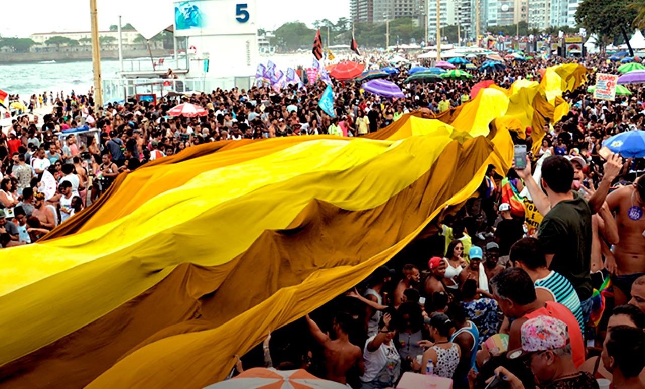 Bandeira em tons de amarelo