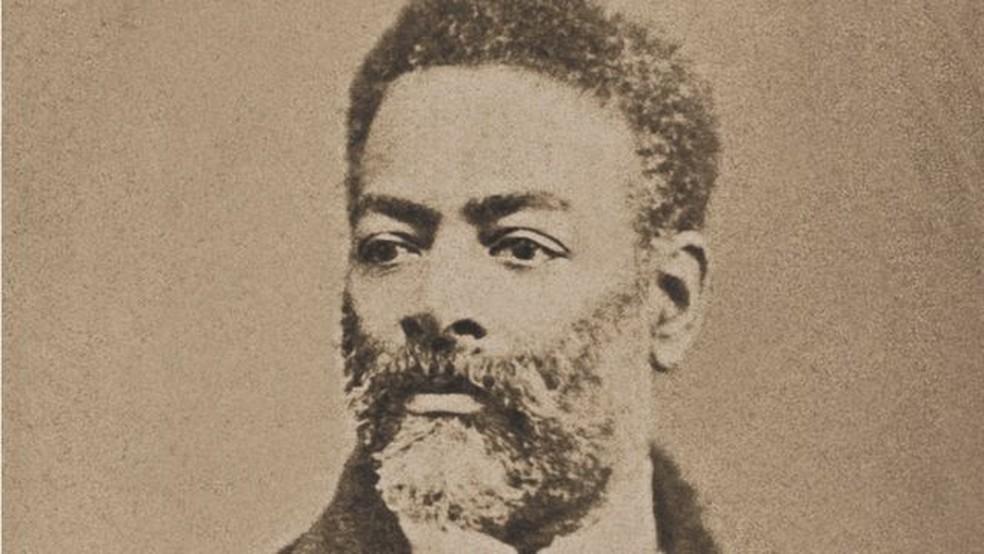 Luiz Gama: autodidata, soube utilizar as leis vigentes para conseguir, pela justiça, alforriar centenas de escravos — e figura-chave no movimento abolicionista brasileiro. — Foto: Wikicommons