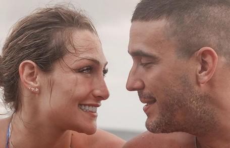 André Marques e a namorada, a atriz Sofia Starling, estão juntos na casa dele. Nas redes, ela costuma elogiar os pratos preparados pelo apresentador Reprodução