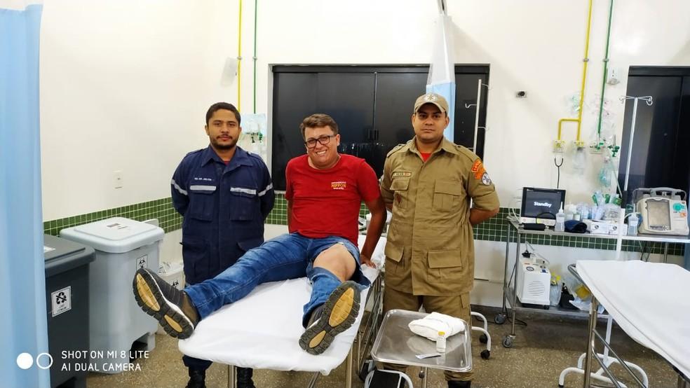 Funcionário do supermercado passa bem após ter perna perfurada por ferrão de peixe em Sorriso — Foto: Corpo de Bombeiros de Sorriso/Divulgação