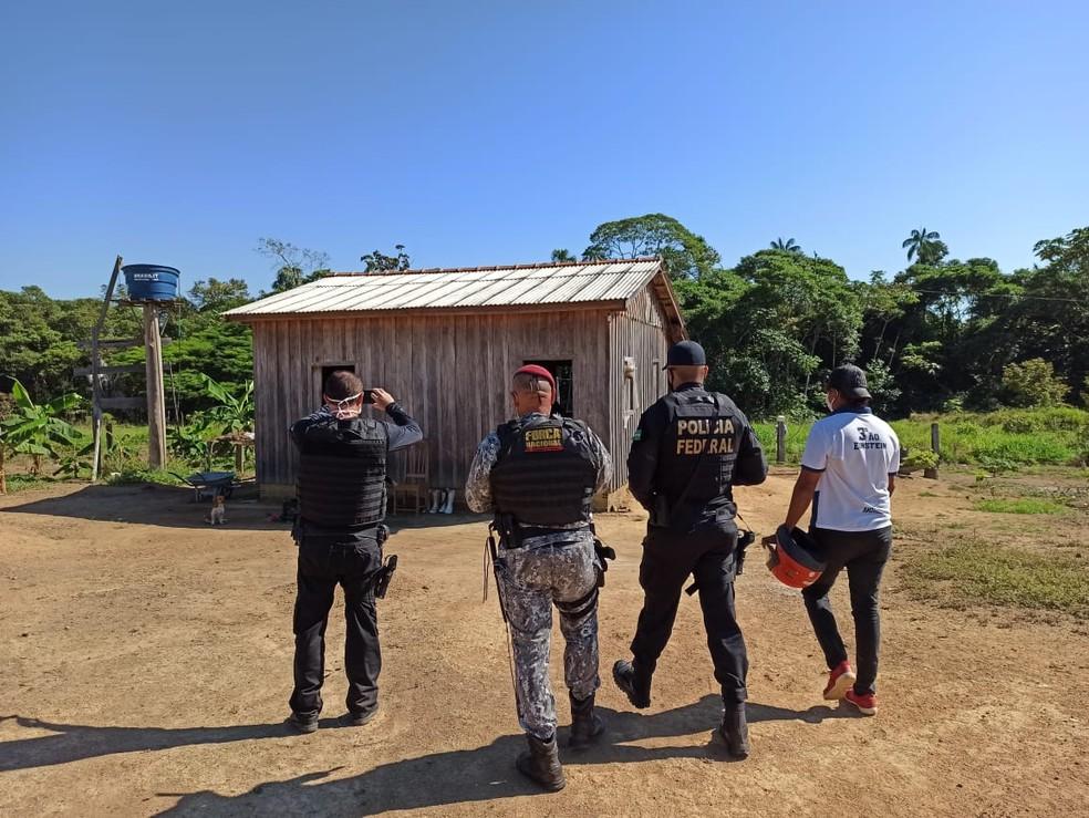 Ação ocorreu em conjunto com os ministérios Público do Trabalho (MPT), Trabalho e Emprego (MTE), e contou com apoio da Força Nacional e Creas. — Foto: Divulgação/PF