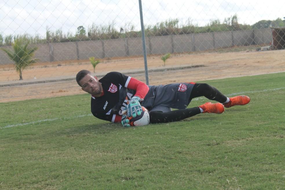 Edson Mardden pode voltar ao gol do CRB — Foto: Douglas Araújo/CRB