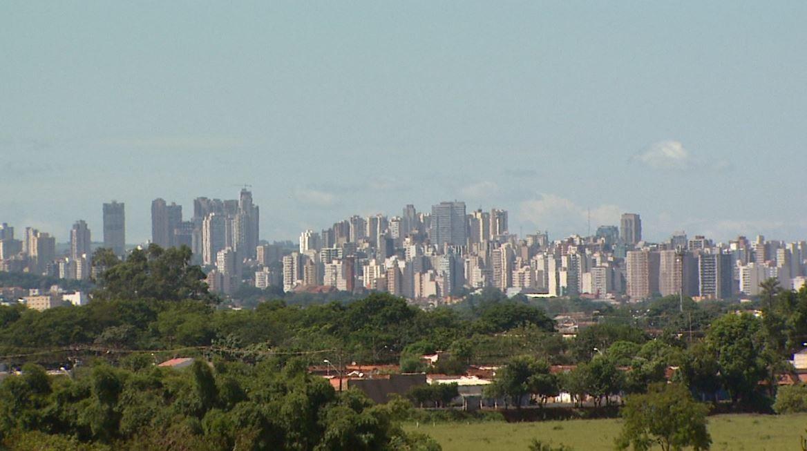 Prefeitura registra 3 mil cadastros no 1º dia de inscrições do auxílio emergencial de Ribeirão Preto