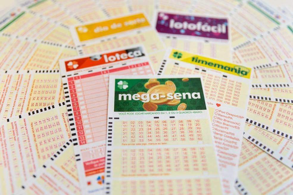 Bilhetes para apostas nas loterias federais — Foto: Marcelo Brandt/G1
