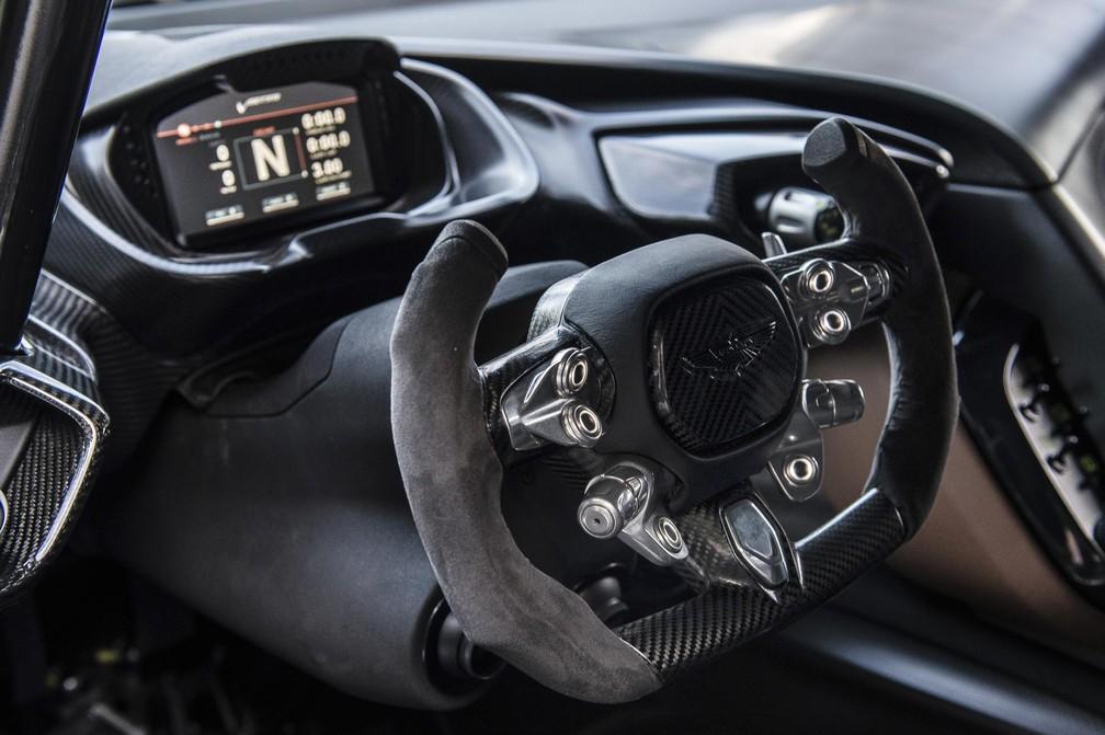 Interior do Aston Martin Vulcan (Foto: Max Earey/Divulgação)