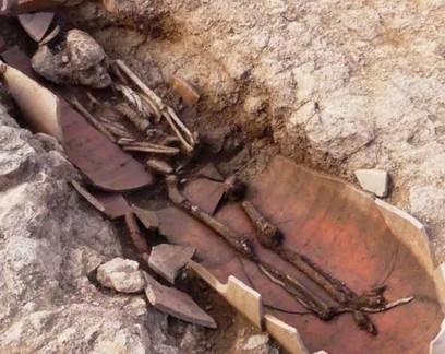 40 tumbas com restos humanos em vasos são encontradas na Córsega