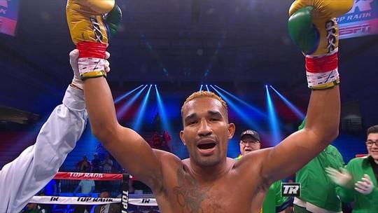 Perfeito! Esquiva Falcão dá show e vence mexicano no primeiro round