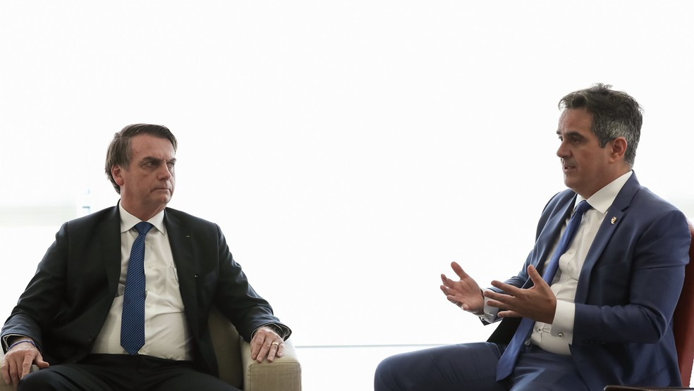 Jair Bolsonaro e o senador Ciro Nogueira, em foto de abril de 2019. — Foto: Marcos Corrêa/PR