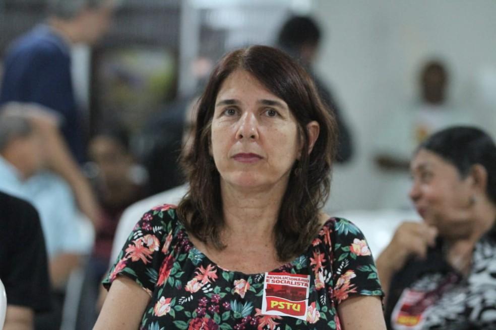 Simone Fontana é candidata ao governo de Pernambuco pelo PSTU (Foto: Marlon Costa/Pernambuco Press)