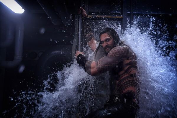 Jason Momoa em cena de Aquaman (Foto: divulgação)