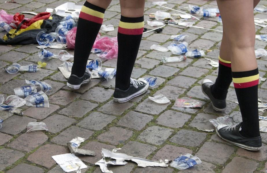 União Europeia decide banir plástico descartável